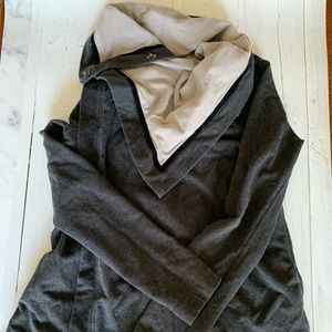 Lululemon Size 4 Sweater